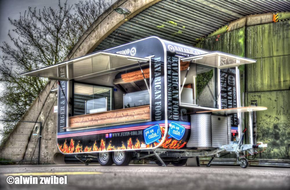 GAMO Retroliner RL 400 hamburger Food-Truck Food Trailer