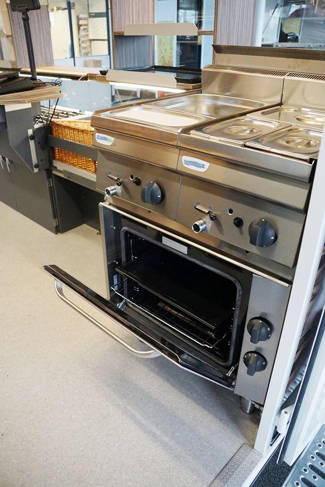 Gamo Back-Master 330 Back & Snack bakkerswagen verkoopwagen oven en bain marie