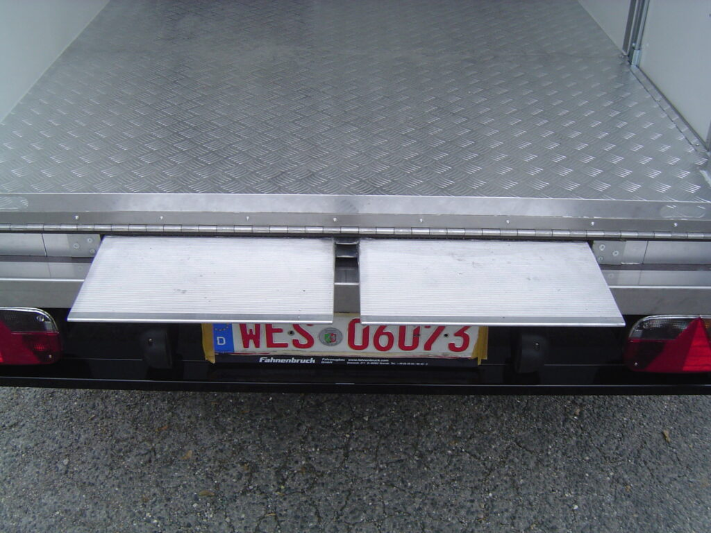 Fahnenbruck Combi Cooler koelwagen promotietrailer met dubbele vloer
