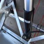 TwinTrailer TT30-30 - de hydraulische cilinder voor in het chassis
