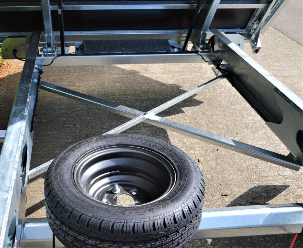 Het chassis van de TT27-30 – 309×183 – 2700kg
