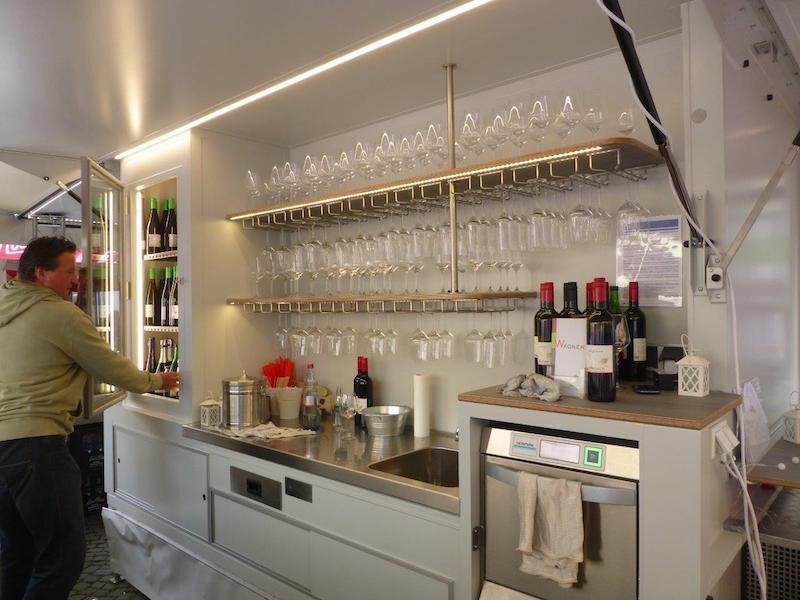 Fahnenbruck Vinobar wijnpromotie aanhangwagen