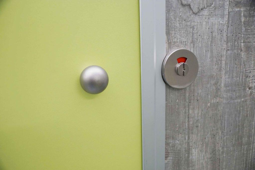 GAMO FTT610 toiletwagen rvs bezet/vrij aanduiding