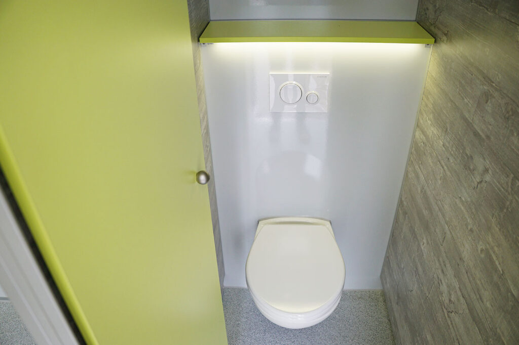 GAMO FTT610 toiletwagen damestoilet met led licht