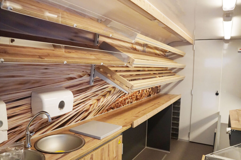 GAMO Back-Master 320 bakkers verkoopwagen broodplanken