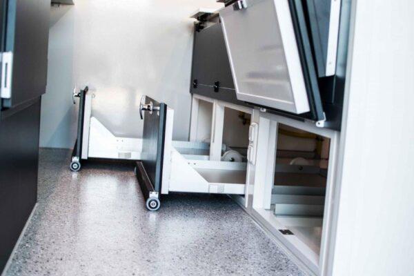 GAMO Fresh-Master 380 verkoopwagen ruimte onder koeltoonbank