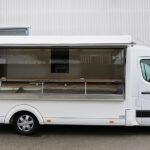 GAMO Fresh_Master 460 verkoopwagen met koeltoonbank met verkoopklep open